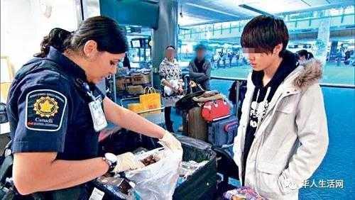 因成绩太好 中国留学生竟被美国海关遣返!