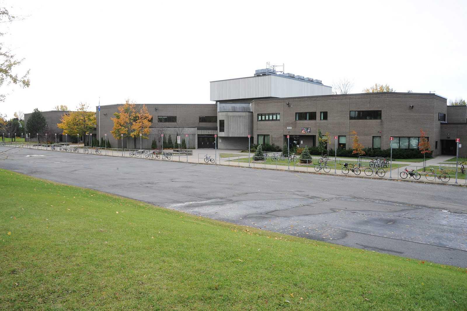 École internationale Lucille-Teasdale2.jpg
